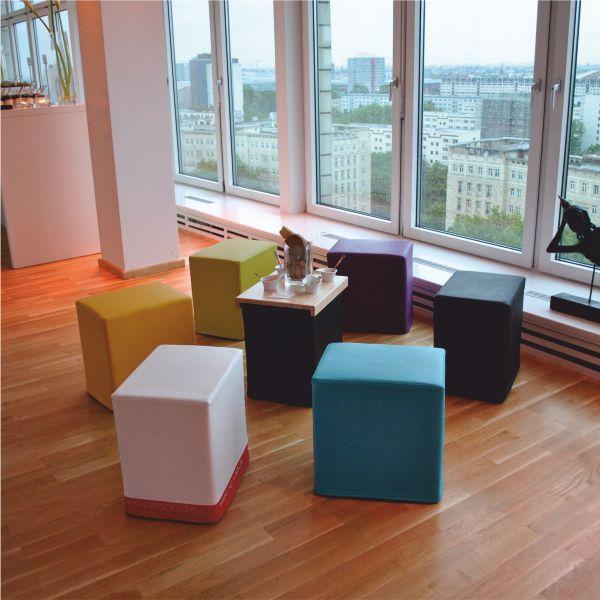 FlatCube Lounge mit FlatDesk Holz